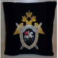 Подушка с вышитой эмблемой Следственного комитета РФ